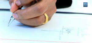 OBAMA-RING-closeup-11-signing-legislation1